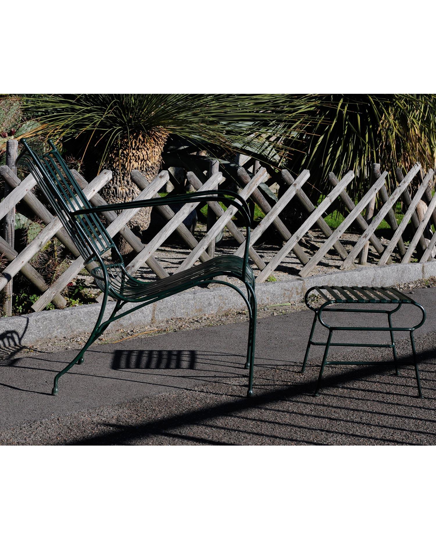 Gartenmoebel aus Eisen  Beausoleil Sessel  teaklandch