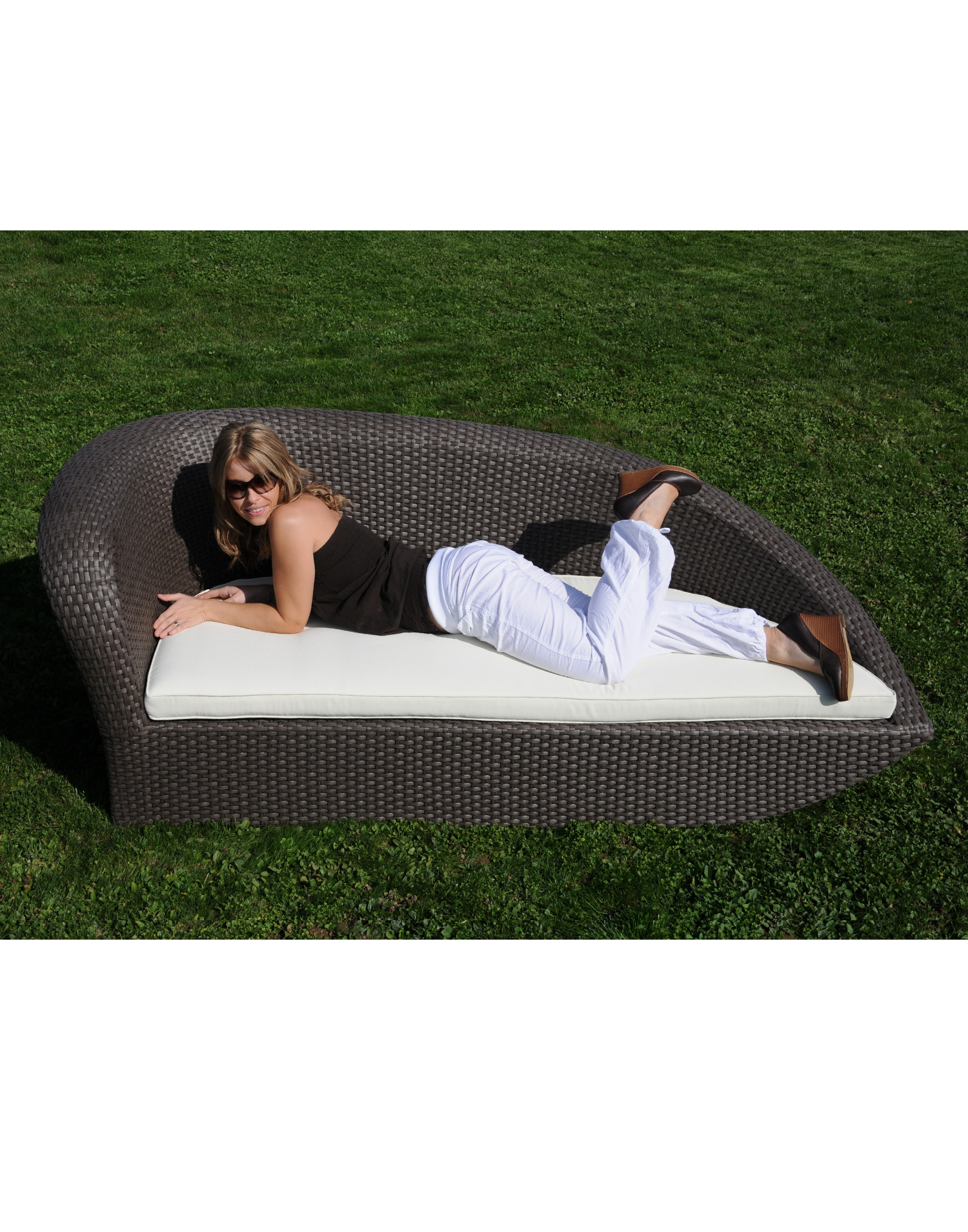 chaiselongue valencia rattan lounge. Black Bedroom Furniture Sets. Home Design Ideas