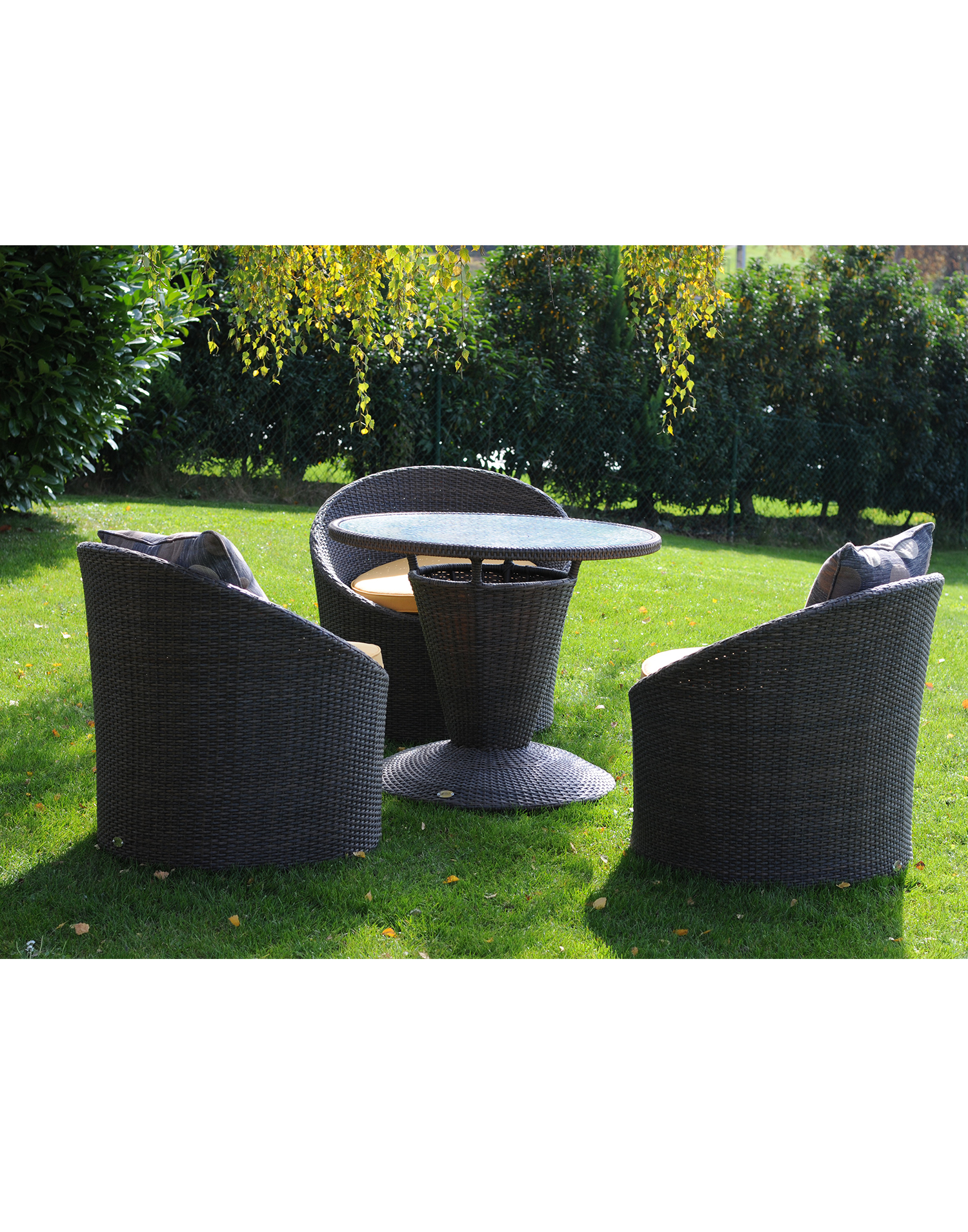 gartenm bel plastik set kollektion ideen garten design als inspiration mit beispielen von. Black Bedroom Furniture Sets. Home Design Ideas